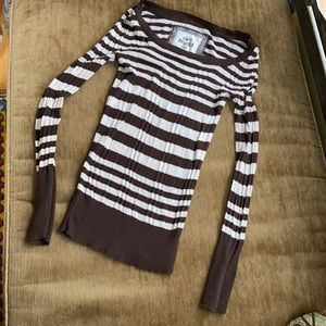 Mudd long sleeve knit shirt